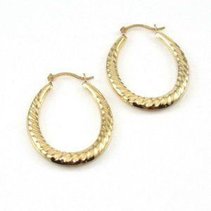 14K Yellow Gold Ribbed Oval Hoop Earrings